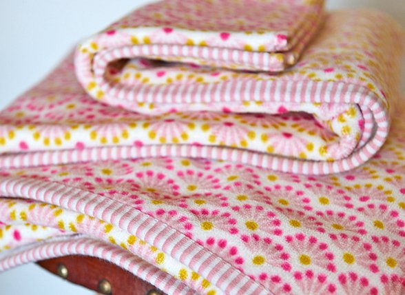 Pip Studio badgoed Blooming Tails Star white