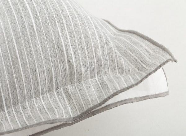 Flamant sierkussen Pinstripe