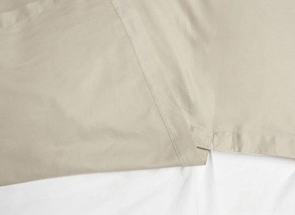 Yumeko dekbedovertrek satijn double face white/sandy