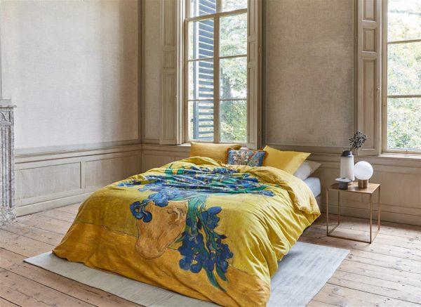 Beddinghouse x Van Gogh Museum dekbedovertrek Irises yellow