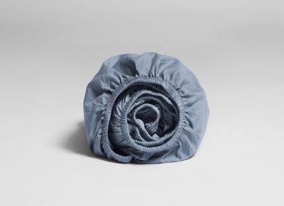 Yumeko hoeslaken katoen satijn faded blue